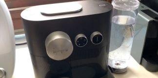 Come fare la pulizia della Nespresso Expert