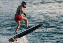 Awake RÄVIK, la Tesla delle tavole da surf